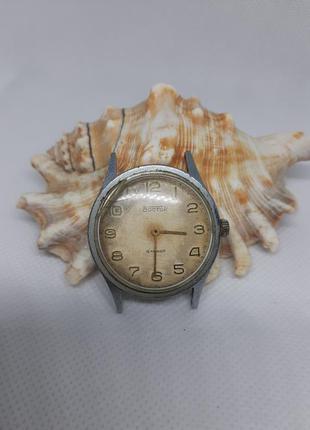 """Часы """"восток"""", 18 камней, ссср, винтаж механические противоуда..."""