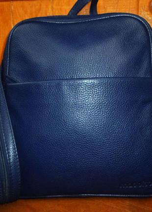 Стильная сумка-рюкзак из натуральной кожи meddison