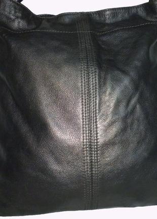 Стильная большая сумка из натуральной кожи bijenkor
