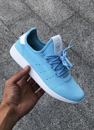 Кроссовки женские  adidas pharrell