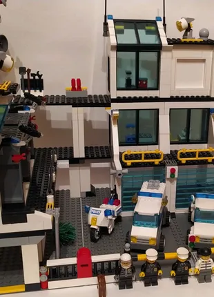 Продам Lego City 7744
