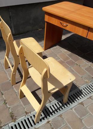 Стол и стулья детские для сада или школы