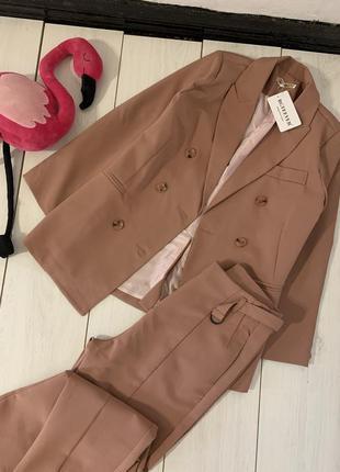 Брючный костюм пиджак и брюки