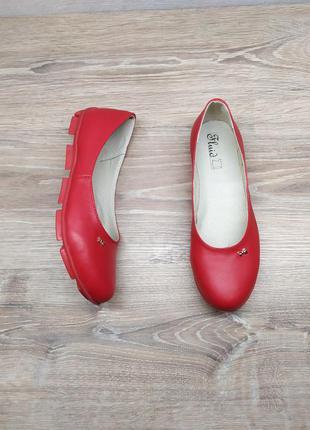 Кожаные красные балетки 37р от производителя