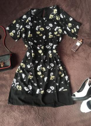 Полностью новое платье цветочный принт прямой крой