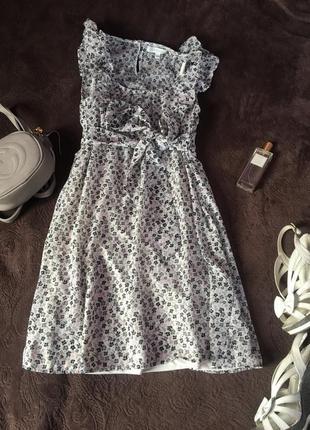 Платье цветочный принт с рюшами нежное