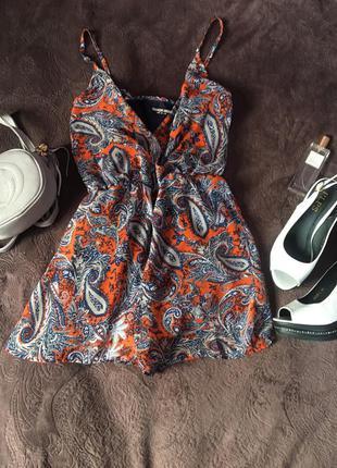 Комбинезон с шортами стиль бохо модный