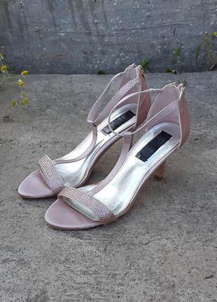 Босоножки сандалии туфли 38 р.