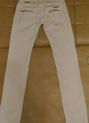 Джинсы белого цвета, скини, размер 29