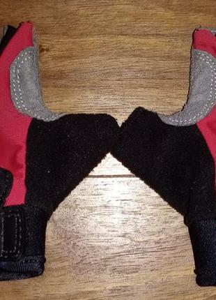 Детские спортивные перчатки без пальцев