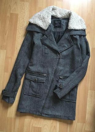Доступно - куртка-пальто со съемным меховым воротником *xside*...