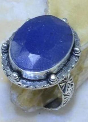 Очаровательное кольцо с природным сапфиром в серебре 19,0 р индия