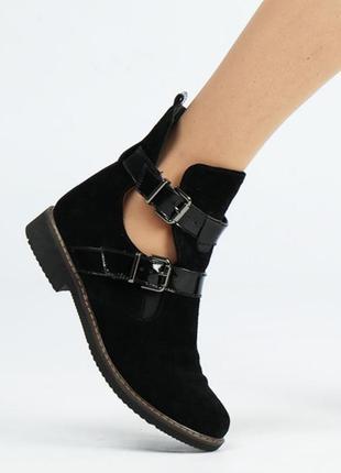 Замшевые женские черные демисезонные открытые ботинки низкий к...
