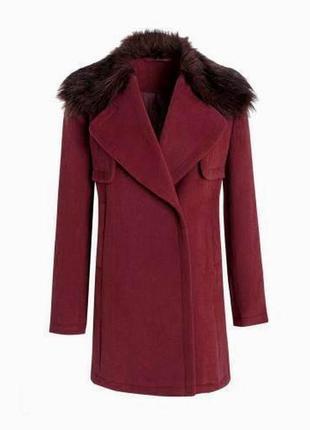 В наличии - деми-пальто со съемным меховым воротником *debenha...