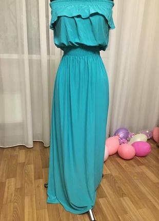 Длинное нарядное платье бирюзового цвета