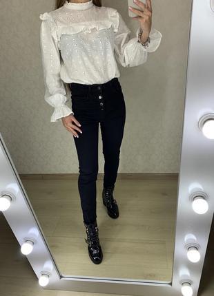 Черные джинсы скинни с высокой посадкой zara
