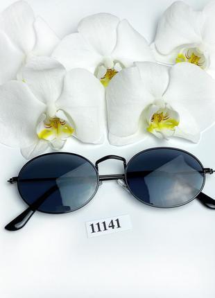 Трендовые солнцезащитные очки с черными линзами к.11141