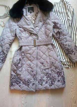 Серый зимний пуховик пальто длинный с черным натуральным мехом...