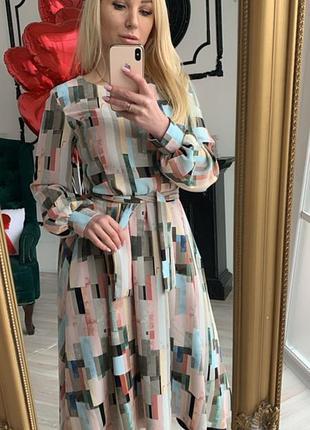 Крепсофтовое платье, весеннее