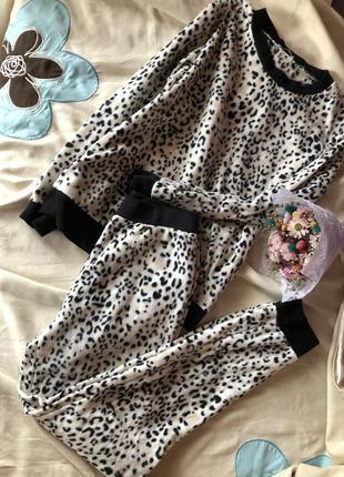 Трендовая плюшевая , теплая леопардовая пижама , костюм для дома