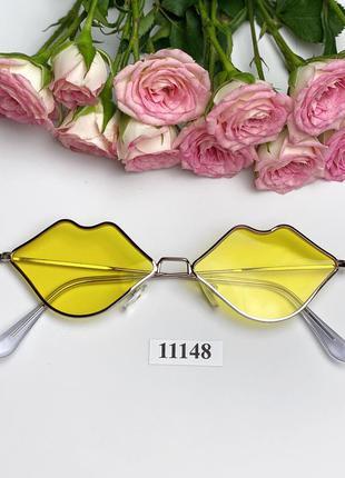 Солнцезащитные очки в виде губ с желтыми линзами к.11148
