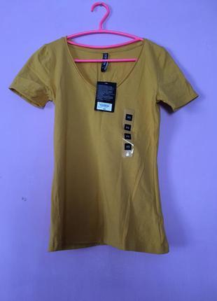 Яркая солнечная футболка новая с биркой из германии желтого цвета