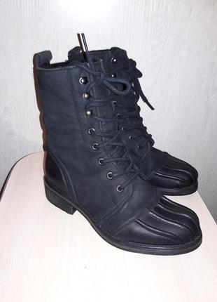 Шикарные фирменные кожаные ботинки.