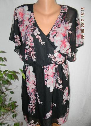 Красивое шифоновое платье с принтом цветы