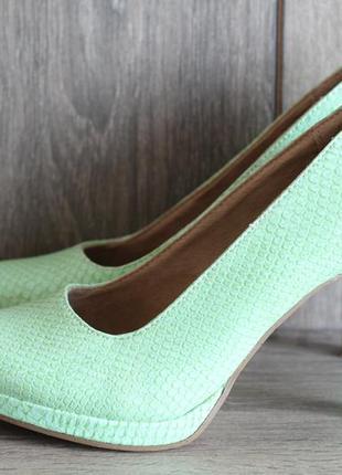 Стильные туфли под кожу рептилии tamaris на выпускной так и на...
