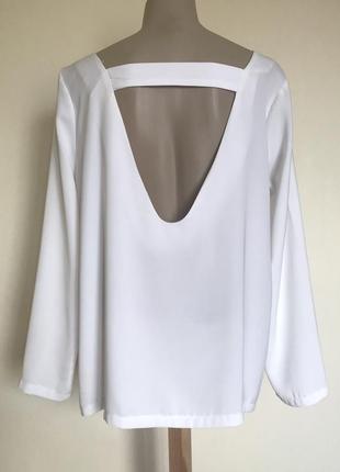 В наличии - блуза с открытой спиной и глубоким декольте *booho...