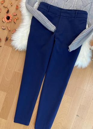 Актуальные классические зауженные брюки №201max zara