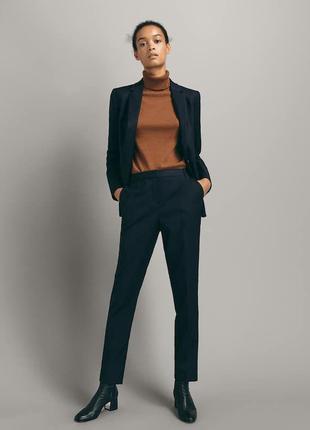 Очень красивые качественные шерстяные брюки известного бренда