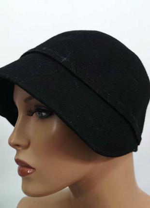 Шляпка фетровая черная, стильная