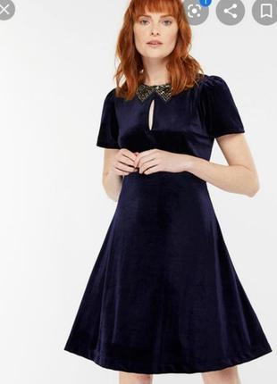Платье с вышитым воротником monsoon новое
