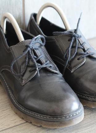 Шикарные лаковые туфли graceland