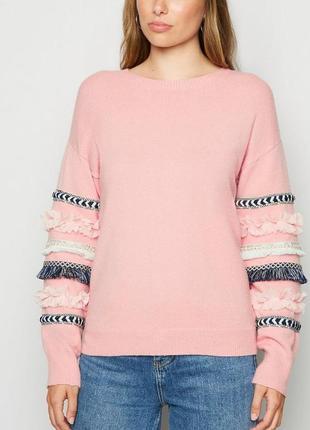 Очень красивый, пудровый с объемными вышитыми рукавами свитер ...