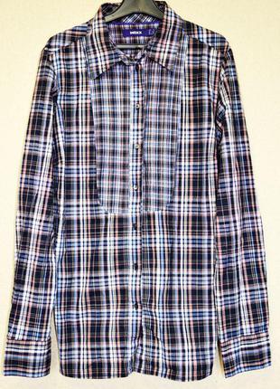 Классная приталеная катоновая рубашка фирмы mexx