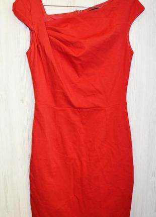 Очень красивое из плотной ткани платье фирмы mango suit