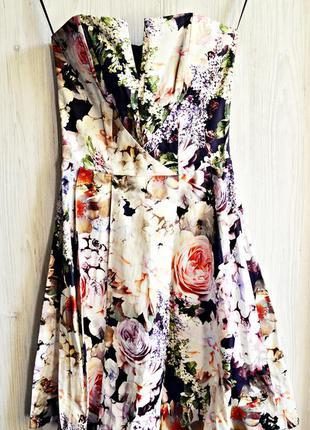 Очень красивое в цветы платье корсетом на косточках фирмы asos