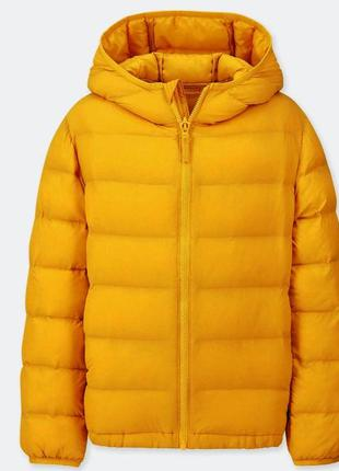 Куртка легчайшая и теплая uniqlo, оригинал, приталенный силуэт.