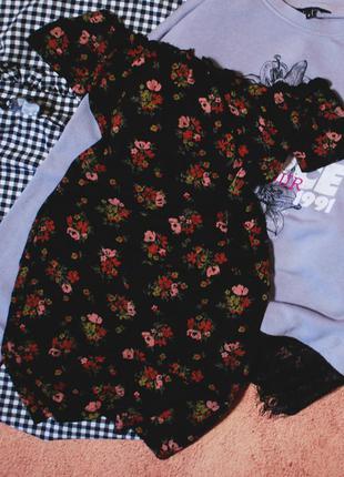 Тотальная распродажа! платье в цветочный принт с открытыми пле...
