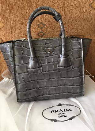 кожаная сумка Prada glace