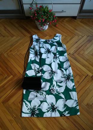 Натуральное летнее платье приталеное в большые цветы
