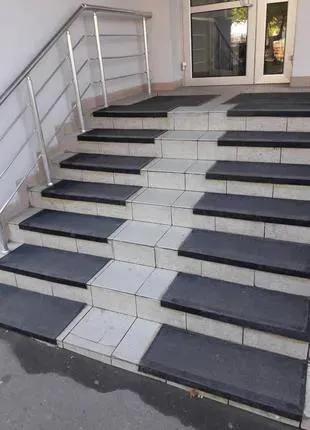Резиновые противоскользящие накладки на ступени (75х33 см)