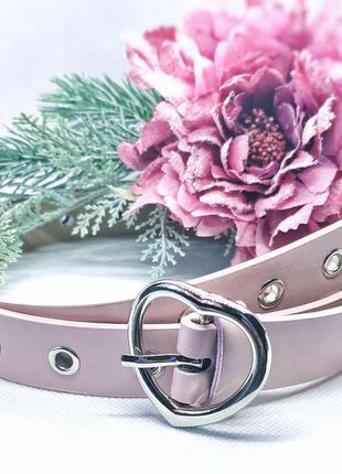 Кожаный женский ремень розовый пряжка форма сердце