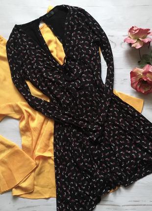 Красивое платье с принтом(s/m)