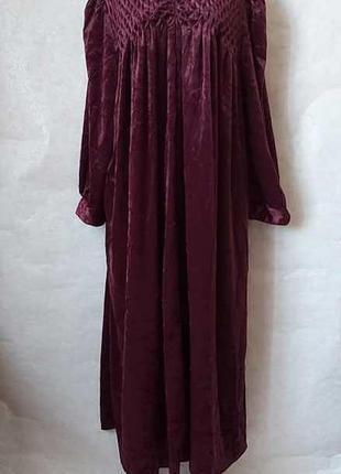 Шикарное просторное платье в пол с мерцающего бархата в цвете ...