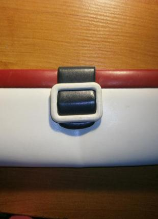 Сумочка-клатч на цепочке