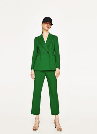 Очень крутые ,яркие брюки zara