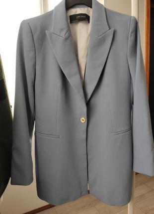 Пиджак zara нежно голубого цвета